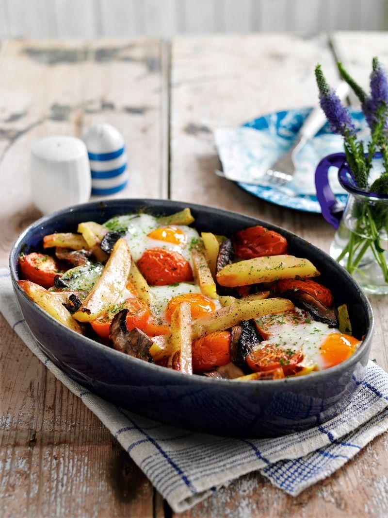 Egg, tomato and mushroom chip bake