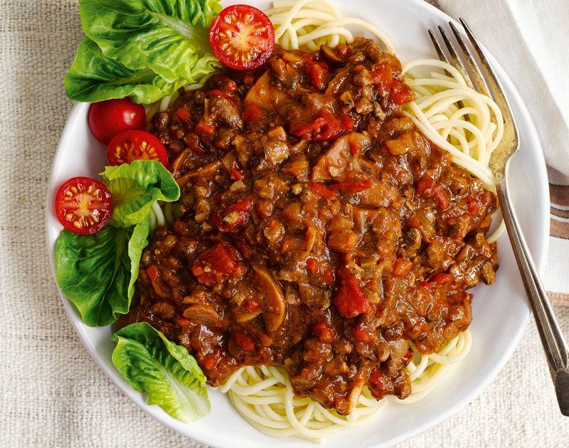 Healthy pasta recipe – Slimming World Bolognese ragù ...