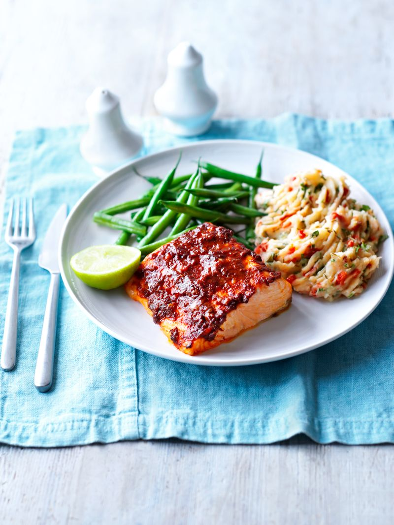 Baked spiced salmon green beans mash