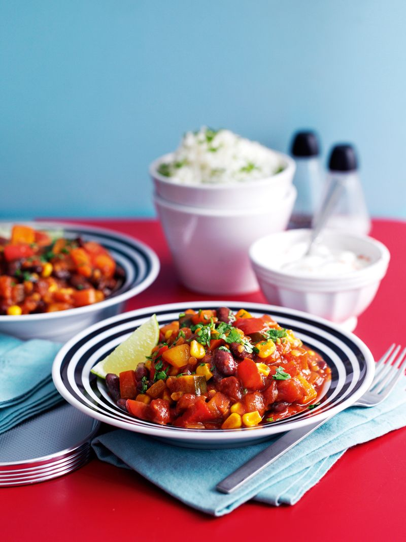 Veggie chilli with herby rice